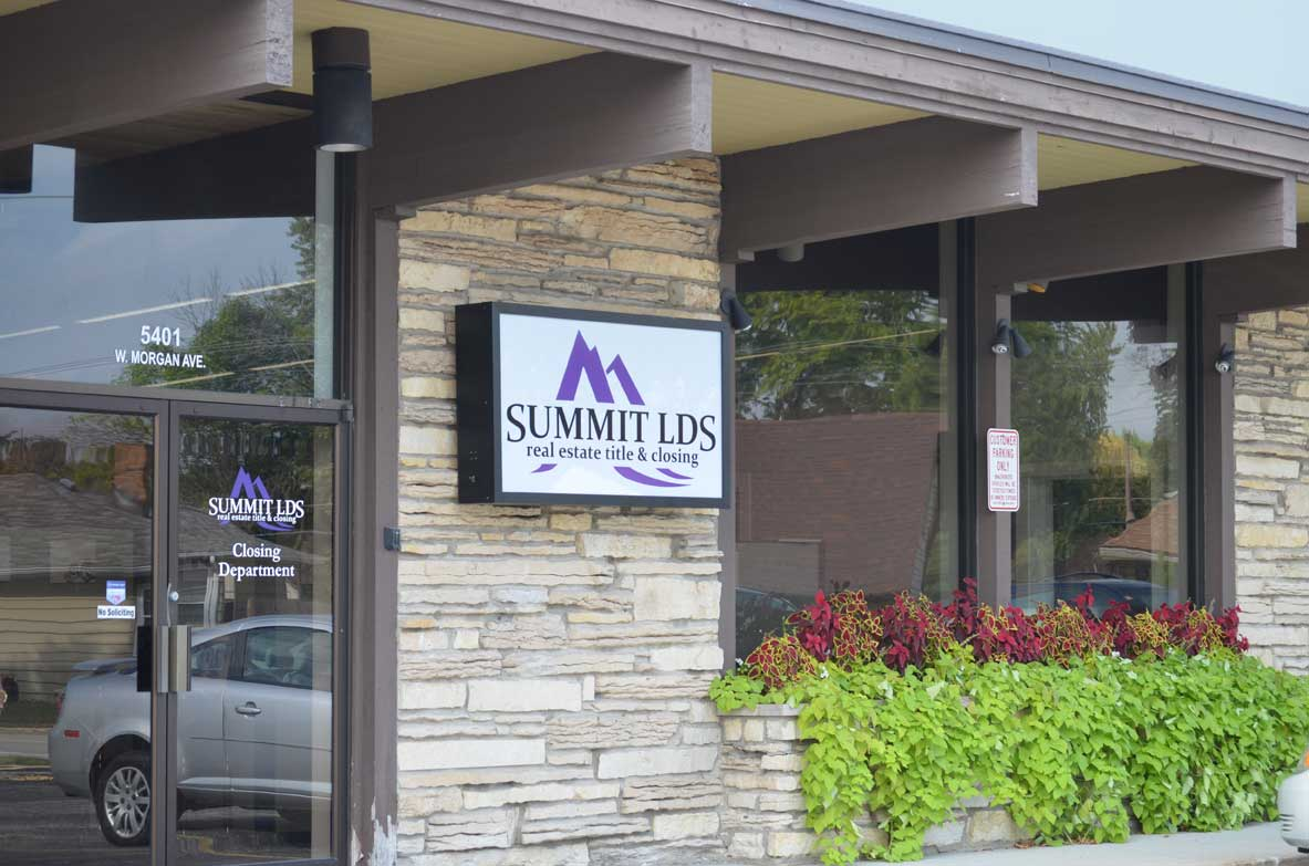 SummitLDS | Real Estate Title and Closing | Milwaukee Office